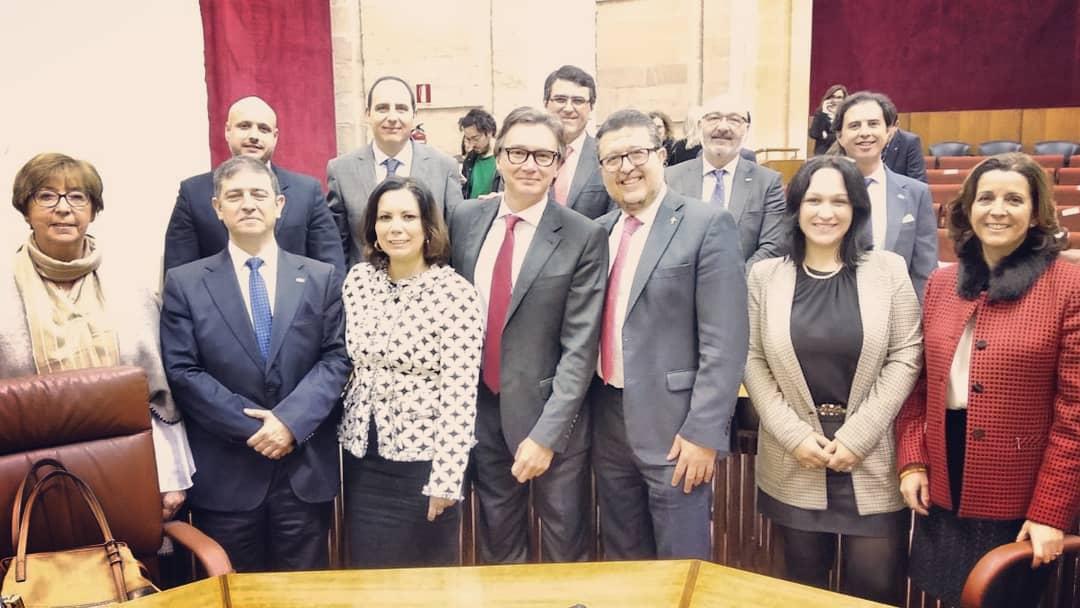 """Los 12 diputados de VOX: """"Lo juro por España"""" y los de Podemos: """"Por imperativo legal"""""""