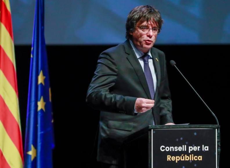"""Puigdemont llamar a agredir y perseguir al candidato del PP Josep Bou por """"fascista"""""""
