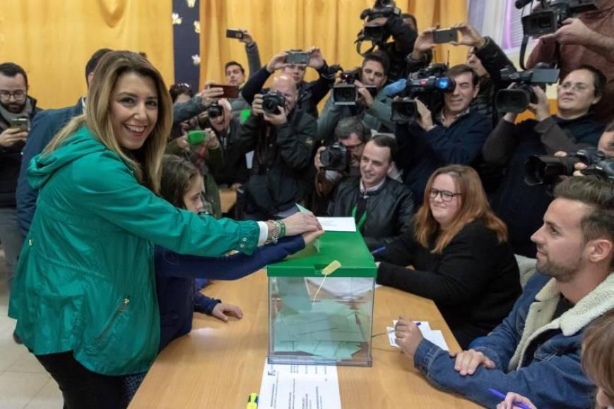 """Susana Díaz (PSOE): """"He votado con ilusión, quiero una Andalucía que responda"""""""