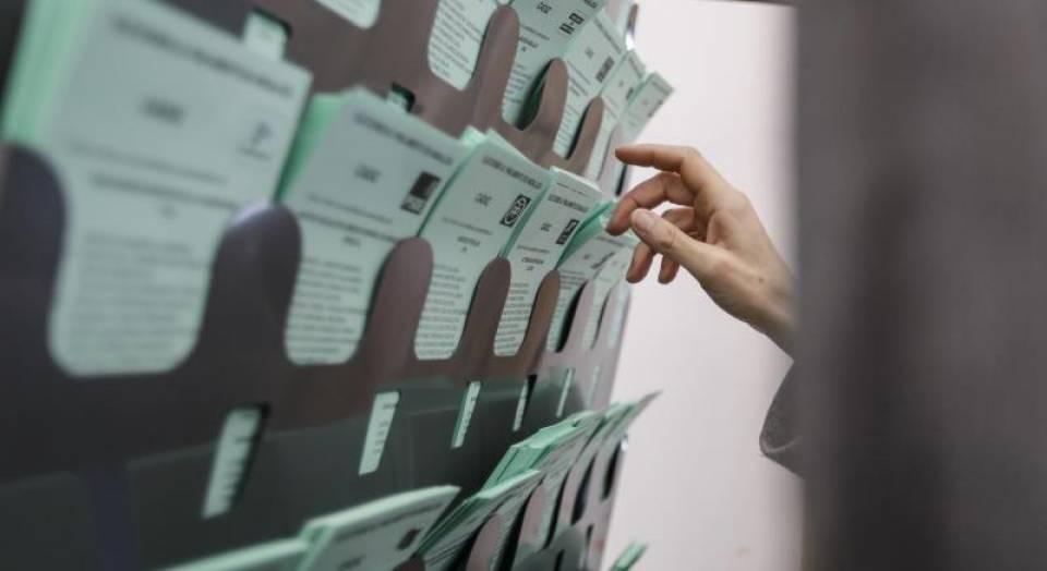 Cae 4 puntos menos que en 2015 la participación a las 14:00 horas del 2-D Andalucía