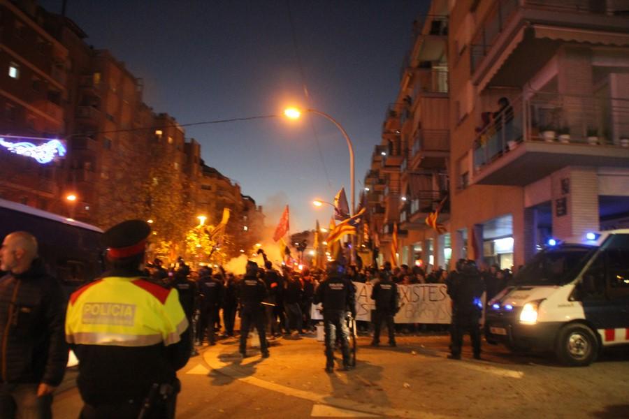 Vídeo carga de los Mozos contra los comandos de Pablo Iglesias e independentismo en Terrasa