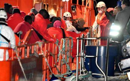 Llegan a España 186 inmigrantes rescatados de tres pateras