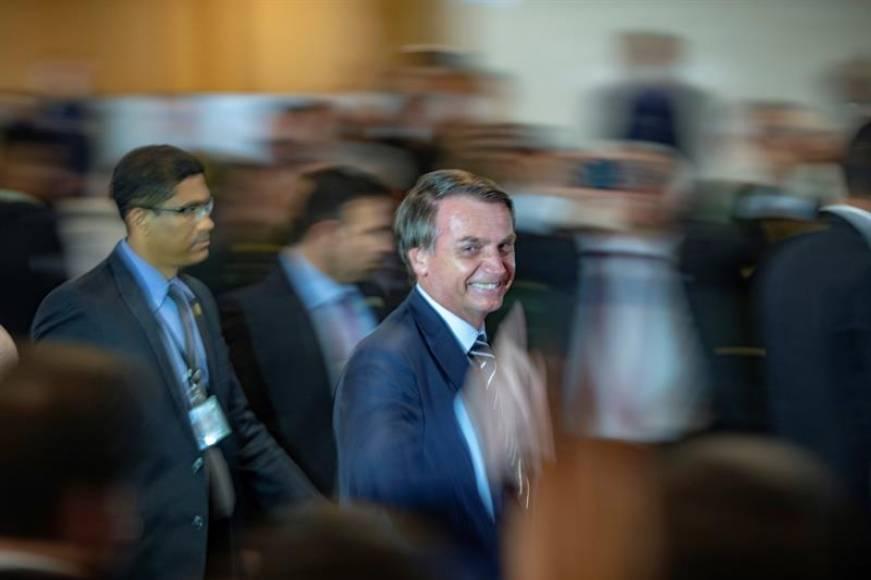 """Bolsonaro expulsara a """"comunistas"""" de la administración pública de Brasil"""