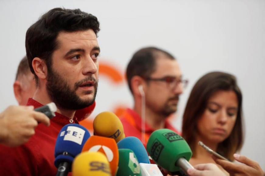 """Ciudadanos Cs pactará con Podemos o el PSOE en Madrid, veta a VOX y tacha de """"cansinos"""" al PP"""