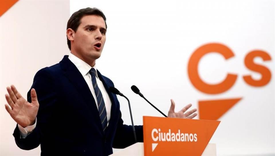 """Rivera se abre a pactos con Podemos y PSOE, """"no se puede pactar con la extrema derecha"""""""