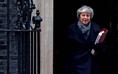Reino Unido tumba al mal Brexit