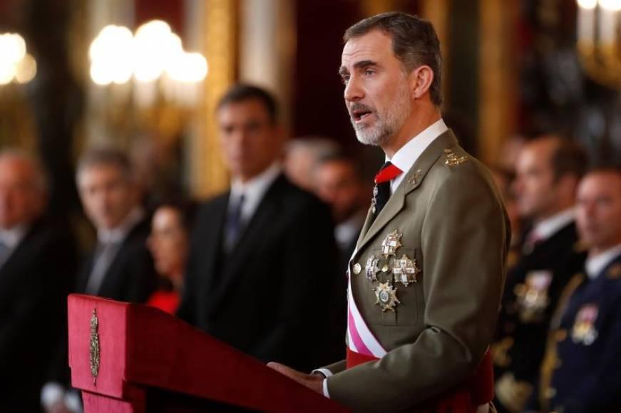 """Rey: """"La bandera de España"""" representa """"soberanía, unidad e integridad"""" del pueblo español"""