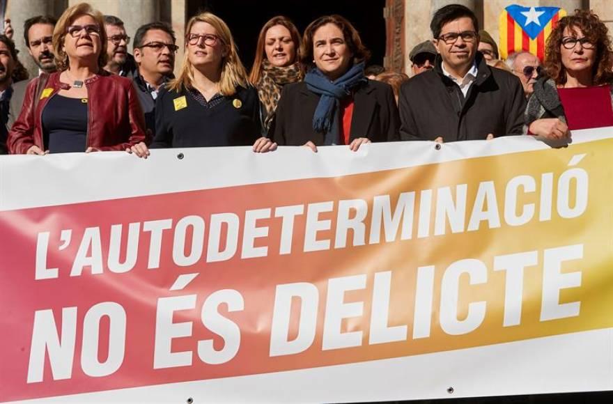 """Colau pide anular el Juicio del Procés y """"negociar"""" un referéndum en Cataluña"""
