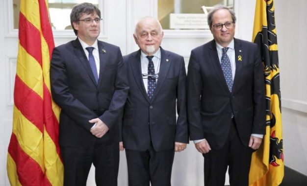 Independentistas catalanes e independentistas de Flandes (Bélgica) conspirando
