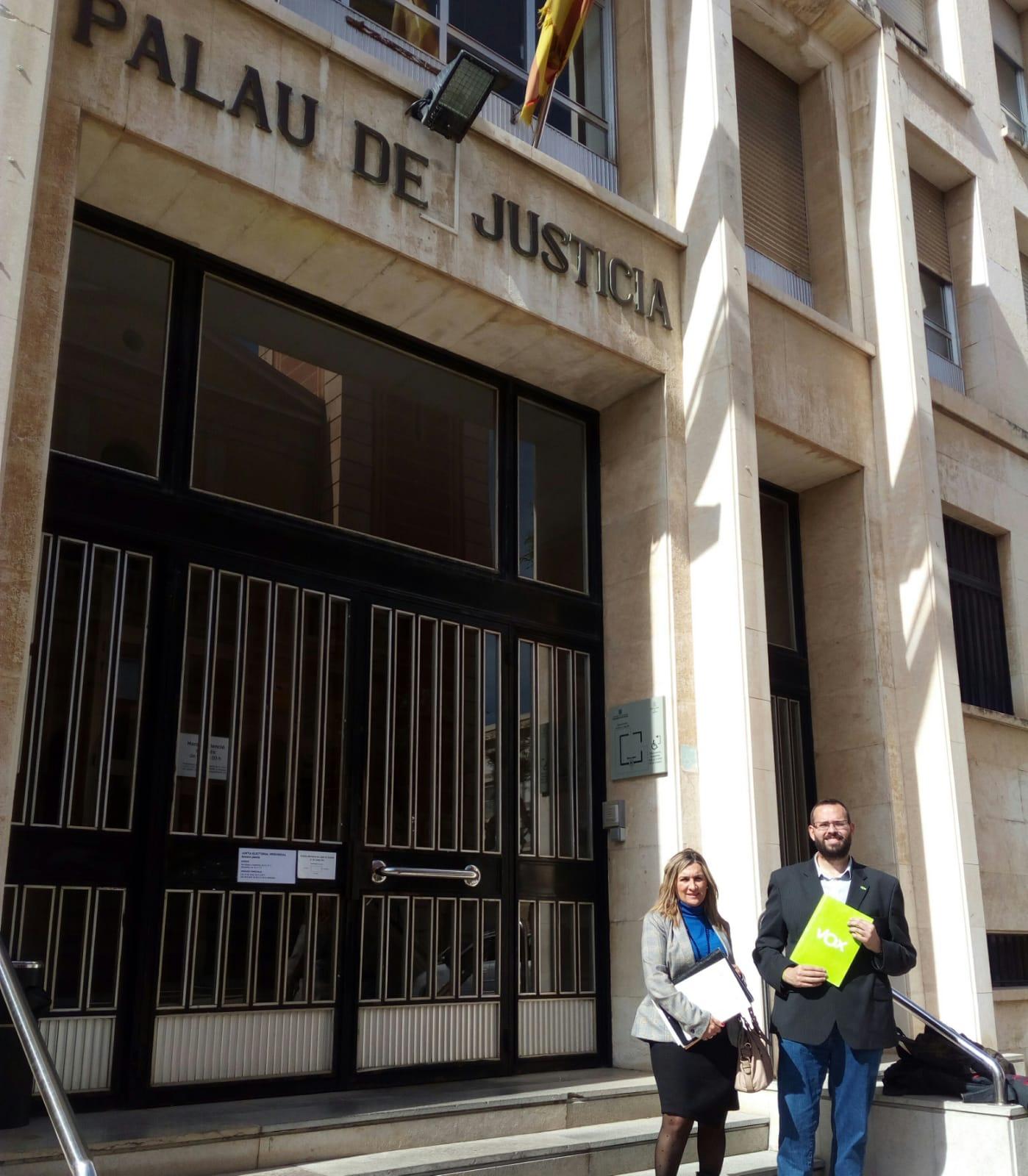"""b32cbb447 Redacción – La líder provincial de VOX en Tarragona, Isabel Lázaro,  considera que """"desde VOX estamos luchando para que se cumpla la ley en  Cataluña."""