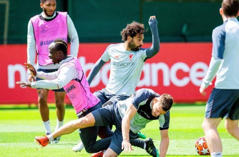 FOTOGRAFÍA, LIVERPOOL (REINO UNIDO), 30.05.2019. Los jugadores del Liverpool (i-d); el extremo senegalés Sadio Mané, el extremo egipcio Mohamed Salah. Efe