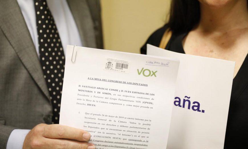 FOTOGRAFÍA. MADRID (ESPAÑA), 30.05.2019. El portavoz del Grupo Parlamentario VOX, Iván Espinosa de los Monteros (i), Macarena Olona (d). Ñ Pueblo