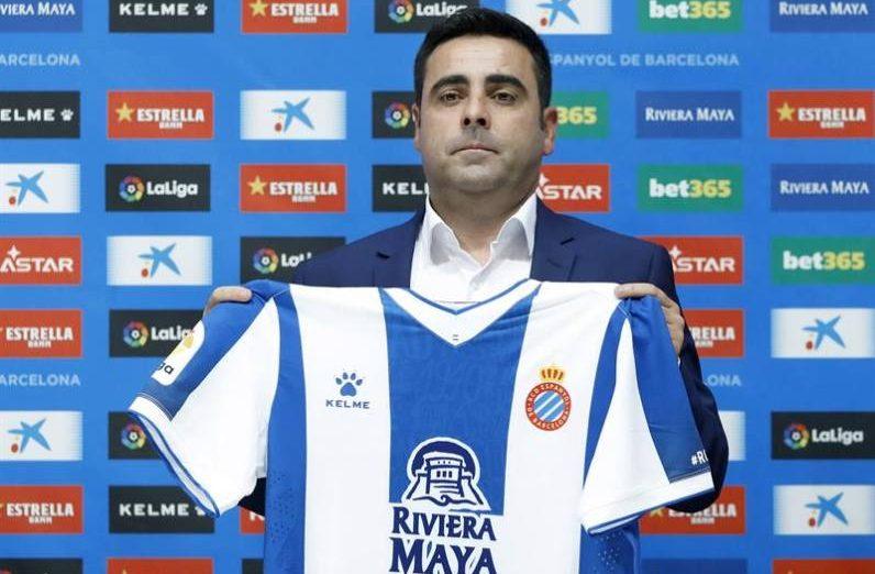 FOTOGRAFÍA. BARCELONA (ESPAÑA), 07.06.2019. David Gallego, posa durante su presentación, este viernes en el RCDE Stadium como nuevo entrenador del primer equipo del RCD Espanyol. Efe