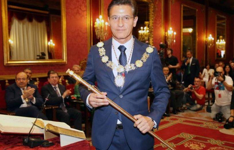 FOTOGRAFÍA. GRANADA (ESPAÑA), 15.07.2019. El líder de Ciudadanos en Granada, Luis Salvador, se ha convertido este sábado en el alcalde de la ciudad. Efe