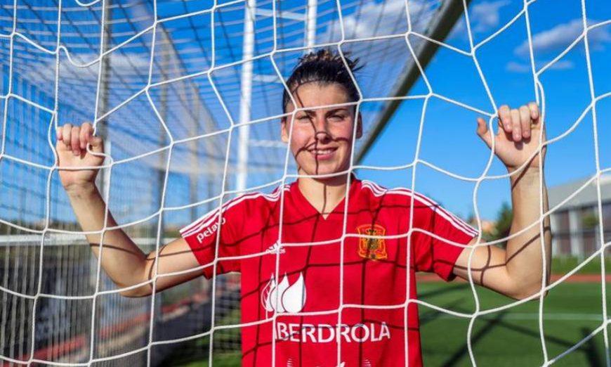 FOTOGRAFÍA. LE HAVRE (FRANCIA), 09.07.2019. Lucía García, la benjamina de la selección española de fútbol, en una entrevista a Efe. Efe