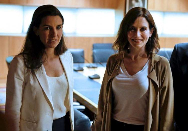 FOTOGRAFÍA. MADRID (ESPAÑA), 11.07.2019. Las candidatas del PP y de Vox para la Comunidad de Madrid, Isabel Díaz Ayuso (d), y Rocío Monasterio (i). Efe