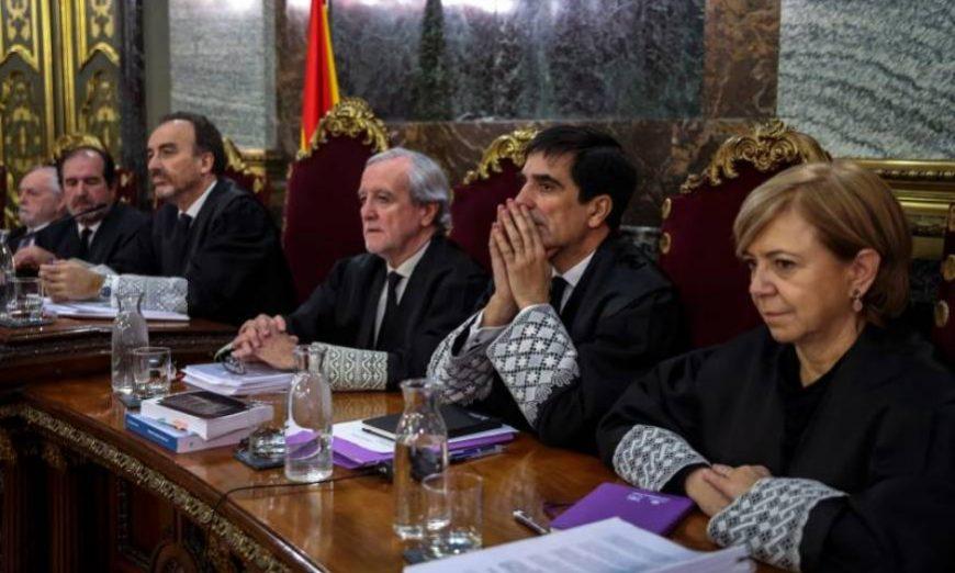 FOTOGRAFÍA. MADRID (ESPAÑA), TRIBUNAL DLE PROCÉS, JUNIO DE 2019. El presidente del tribunal y ponente de la sentencia, Manuel Marchena (3i), junto a los magistrados, Luciano Varela (i). Efe