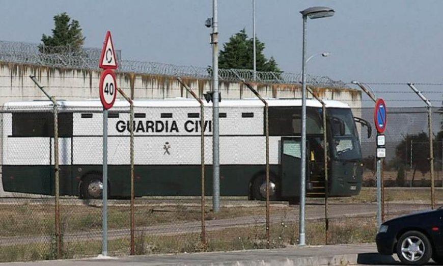 FOTOGRAFÍA. PRISIÓN DE ZUERA 8ZARAGOZA) ESPAÑA, AÑO 2019. Imagen de un traslado anterior de los reclusos en prisión. Zuera (Zaragoza). Efe.