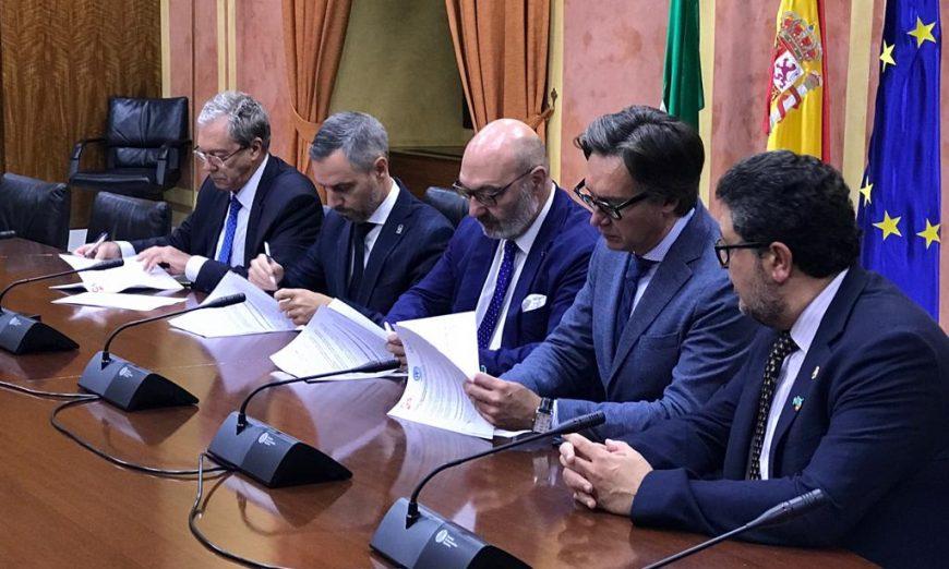 FOTOGRAFÍA. SEVILLA (ANADALUCÍA), 12.07.2019. Pacto de Ciudadanos Cs, VOX y PP en Andalucía. Ñ Pueblo