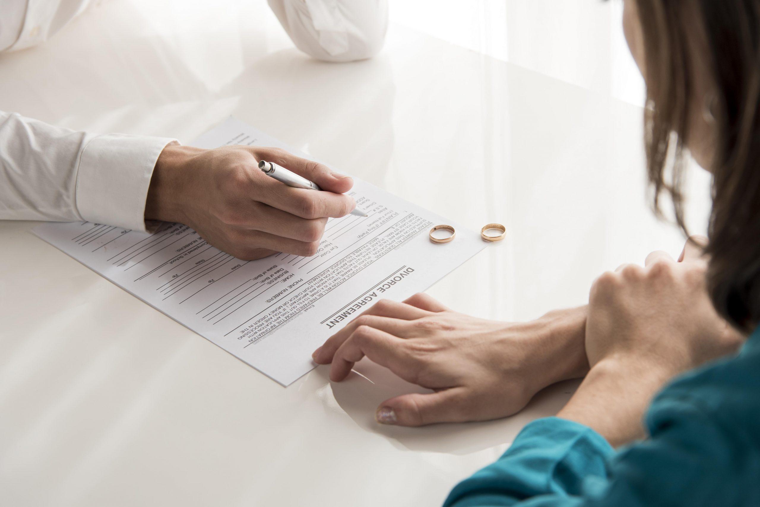 Aumentan las consultas de divorcios en España en el estado de alarma. Mucha  tensión entre parejas | Lasvocesdelpueblo